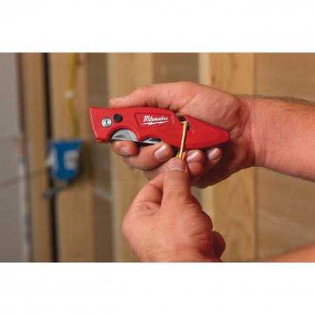 MILWAUKEE Zavírací nůž FASTBACK se zásobníkem pro čepele 4932471358
